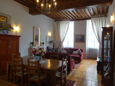 Photo for Porte St Nicolas, Beaune. Quality, 2 dble bedroom Apartment, light and spacious