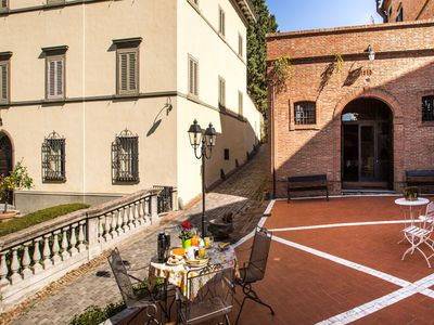 Photo for Rustic Apartment in San Miniato with Swimming Pool