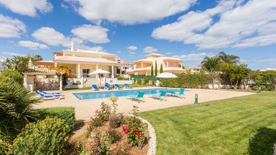 Photo for Gale Villa, Sleeps 9 with Pool, Air Con and WiFi