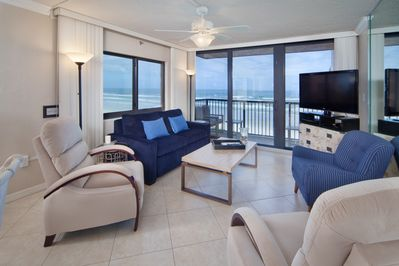 Beautiful beach views & entertainment center with 42-in HDTV, DVD/CD player