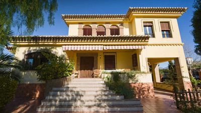 Photo for Rural Villa with garden and private pool only 5 km from Granada and the Alhambra