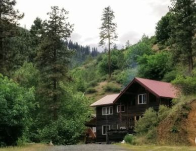DEMIGOD LODGE, 5 miles to Leavenworth - Chauffeur available