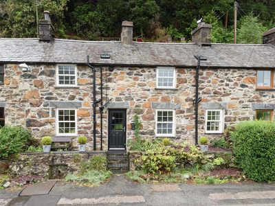 Photo for 4 bedroom property in Beddgelert. Pet friendly.