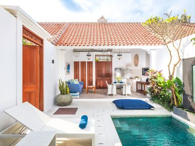 Photo for Tranquil Villa with Pool in Casa Sintra - Double Six
