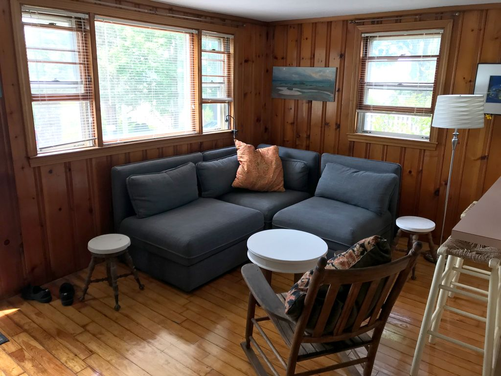 Cottage Vacation Rental , a few blocks from Rexhame Beach with