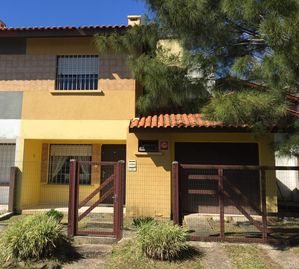 Townhouse with 75m of the beach with barbecue, fan and washing machine.