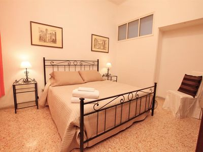 Photo for Bright and comfortable, terrific location, just 50mt from Pantheon, all comforts, free wi-fi