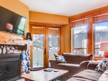 Luxury 1 Bedroom Condo - Steps from the Lift in Center Village at Copper Mtn