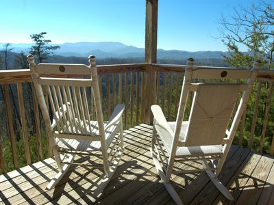 Photo for Beautiful Mountain View, Home Theatre, Close To All Attractions, Semi Seclueded