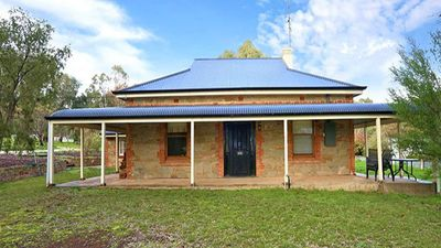 Photo for Cooke Cottage- Family friendly in the middle of the Clare Valley