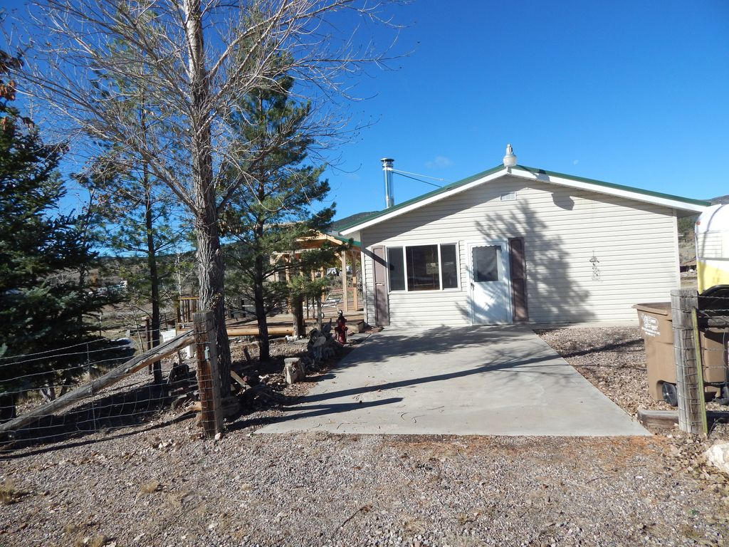 Koosh cabins to capitol reef national park bryce canyon for Bryce canyon cabin rentals