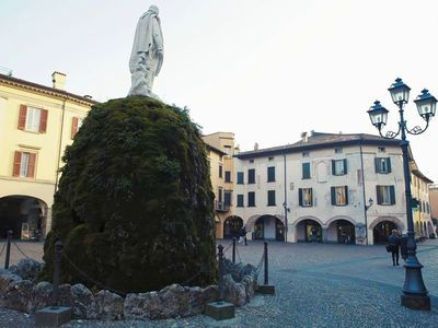Photo for WONDERFUL HISTORIC HOUSE, IN PIAZZA, TWO STEPS FROM THE LAKE
