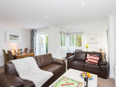 Photo for A modern 2 bedroom house with parking and within an easy walk into town