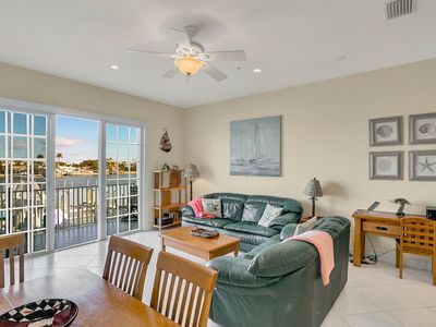 Photo for 3BR w/ Roof Deck on Waterway