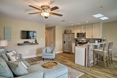 Book this nautically themed Cocoa Beach vacation rental apartment today!