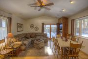 Gorgeous Cabin an Excellent Deal for Groups up to 8 ~ RA702
