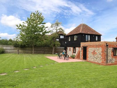 Photo for The Chiltern Granary -  a cottage that sleeps 4 guests  in 1 bedroom