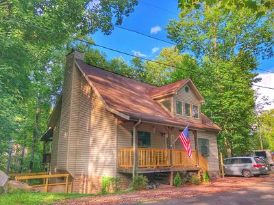 Photo for Newly renovated 4 BR with movie room, hot tub & great Smoky Mountain Views!