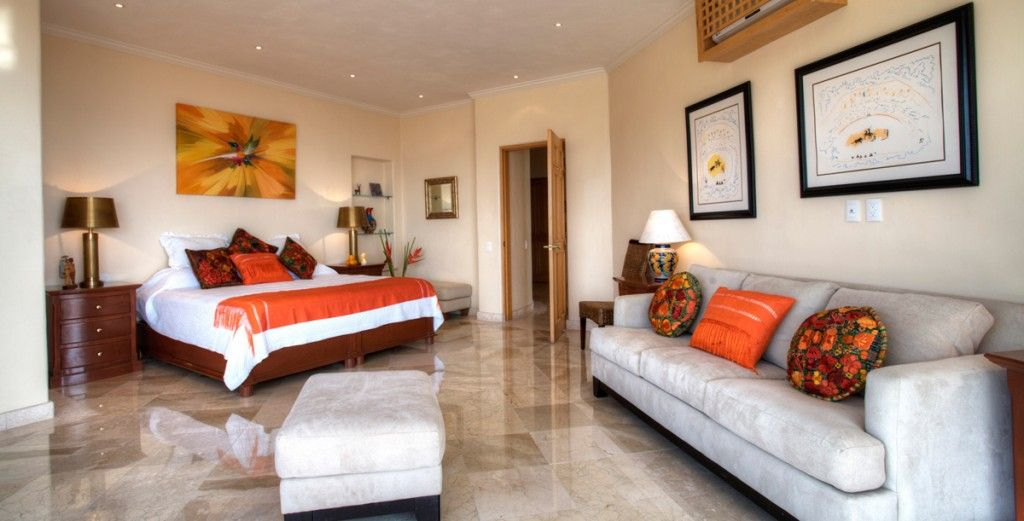 Casa Galeana-6 bed villa, short walk to beach and Malecon, pool, outdoor bbq