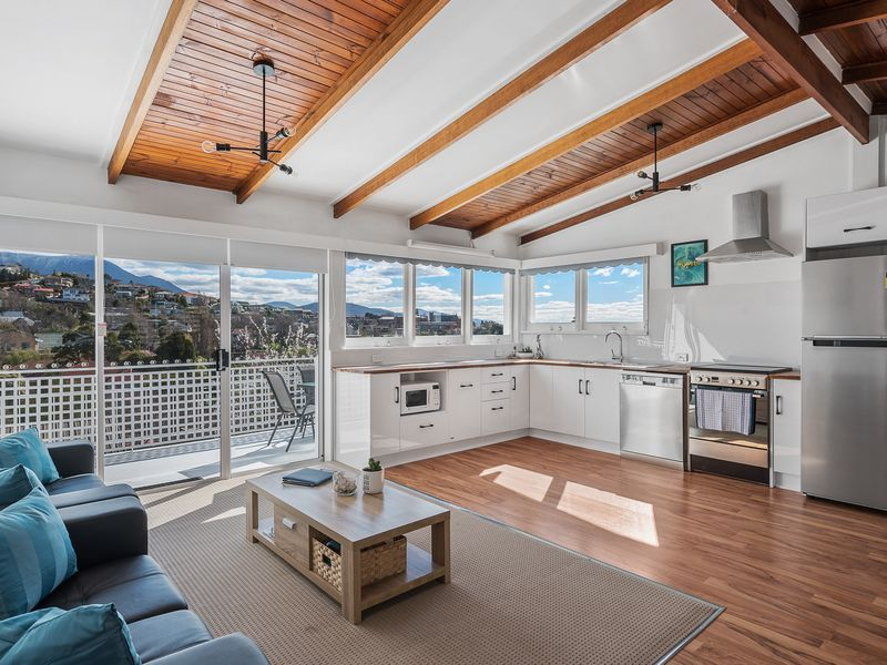 3BR Apartment with Mountain and Water Views