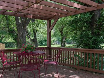 Back yard pergola, great for pictures!