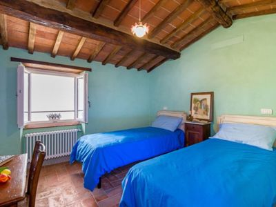 Photo for Vacation home Il Torreone in Cortona - 10 persons, 5 bedrooms