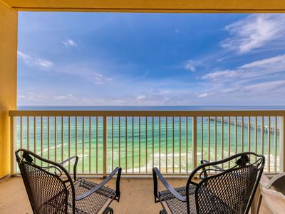 Photo for Charming gulf front condo w/shared pools, gym, beach access & near restaurants!