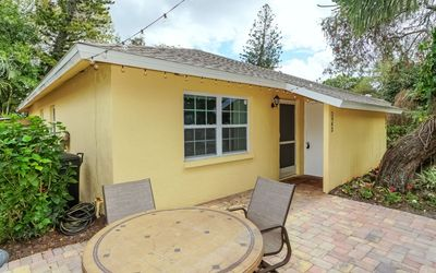 Lovely Cottage ❤  Very close to Siesta Beach or Downtown Sarasota!