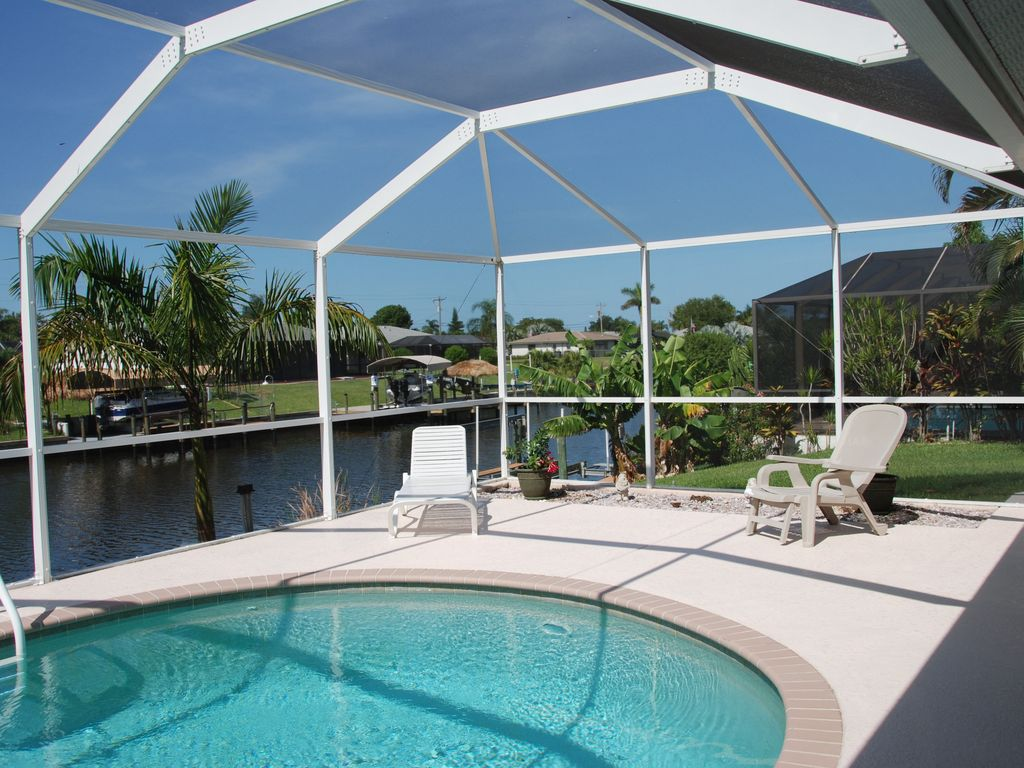4 Bed 2 Bath Home On A Wide Canal Southern Exposure