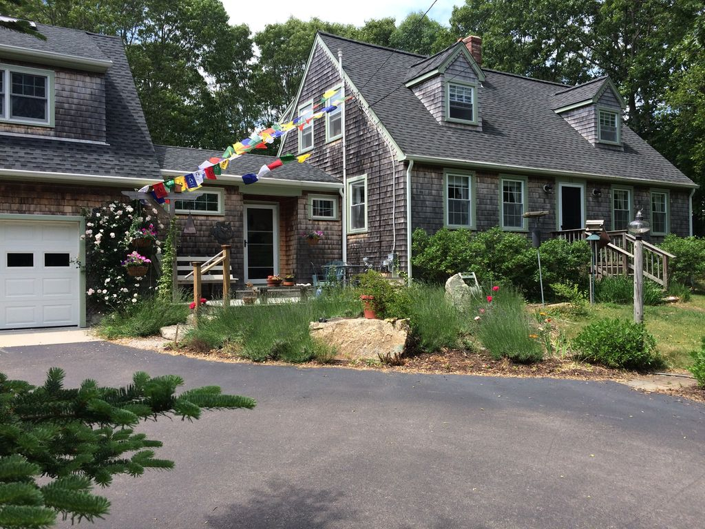 Comfortable 3 Bd  Home Close To URI, S  Kingston, Ri On 2 5 Acres -  Saunderstown