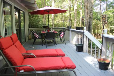 Nicely decorated deck