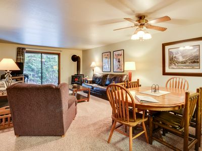 Photo for Cozy condo w/ golf view, shared pools, hot tub, & gym - nearby ski & lake access