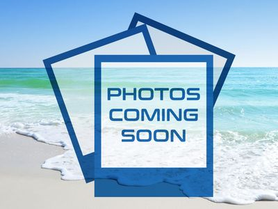 Photo for Inviting Condo, Gulf-front balcony, On-site pool, On the beach