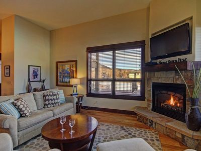Photo for Luxury Townhome w/ Views. Patio w/ BBQ. HDTV, Downtown, Ground Floor.