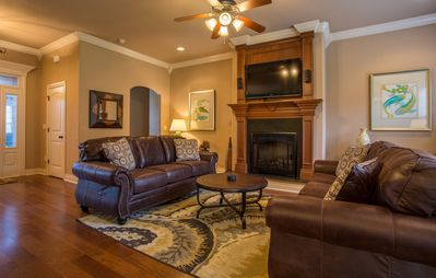 Photo for Incredible 4 bd, 3 bath home at Branson Creek!