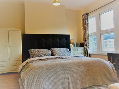 Photo for Wonderful 6 king bed 2.5 bath Victorian home with character in central London