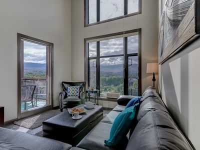 Photo for 2BR Condo Vacation Rental in Kelowna, BC