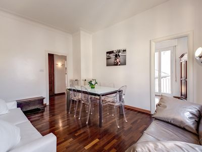 Photo for A modern and contemporary two-bedroom apartment for up to six people in the ancient Trastevere-Ghett