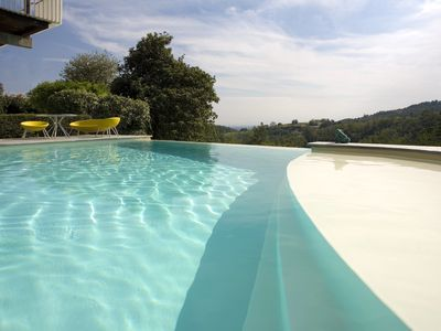 Photo for Villa Danda - Wide garden, sun and swimning pool
