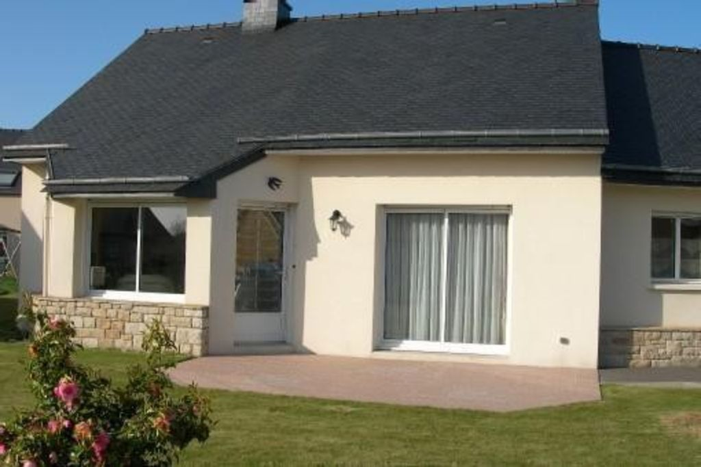 PENVENAN, HOUSE PLAIN FOOT Near Shops And 3 Km From The Beaches