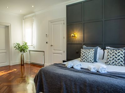 Photo for Beautiful 1Bed Sleeps 6 w/Terrace Heart of Madrid