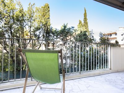Photo for Cute beachfront apartment in the district of Salis, Antibes