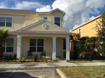 Serenity Townhomes (Four Corners, Florida, United States)