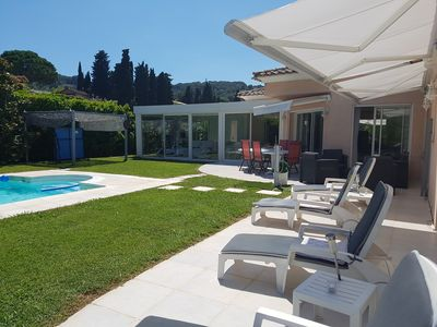 Photo for Secured villa, private garden and pool, air conditioning, parking, sea 3km