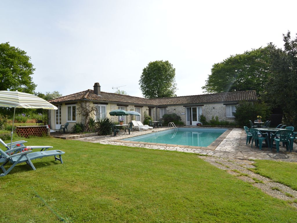 Charming Cottage With A Swimming Pool Souvigne Deux