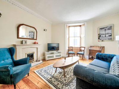 Photo for Bright and Airy City Centre Apartment