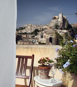 Photo for Vico Muccio - historical house, finely restructured with a splendid view on the historical Baroque city of Modica