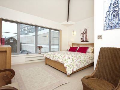 Photo for Fabulous York Apartment - Very Central Sleeping 4/5 People, 2 Bedrooms  2 baths