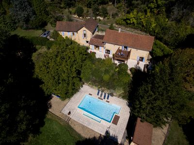 Photo for Wonderful 4 bedroom, 4 bath Perigordine House, heated pool, 5 acres, Sarlat 6km