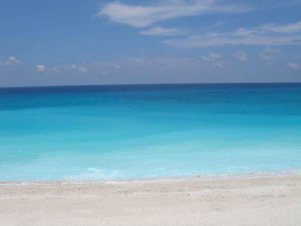 Cancun Beach Condo Rentals